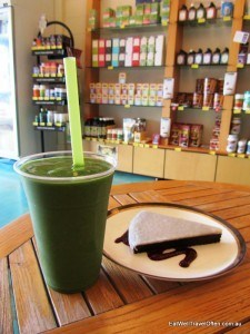 Chocolate black bean slice and a green smoothie at Zest cafe