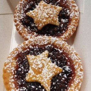 flour and choc fruit mince pie